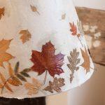 Фото 80: Декор лампы листьями