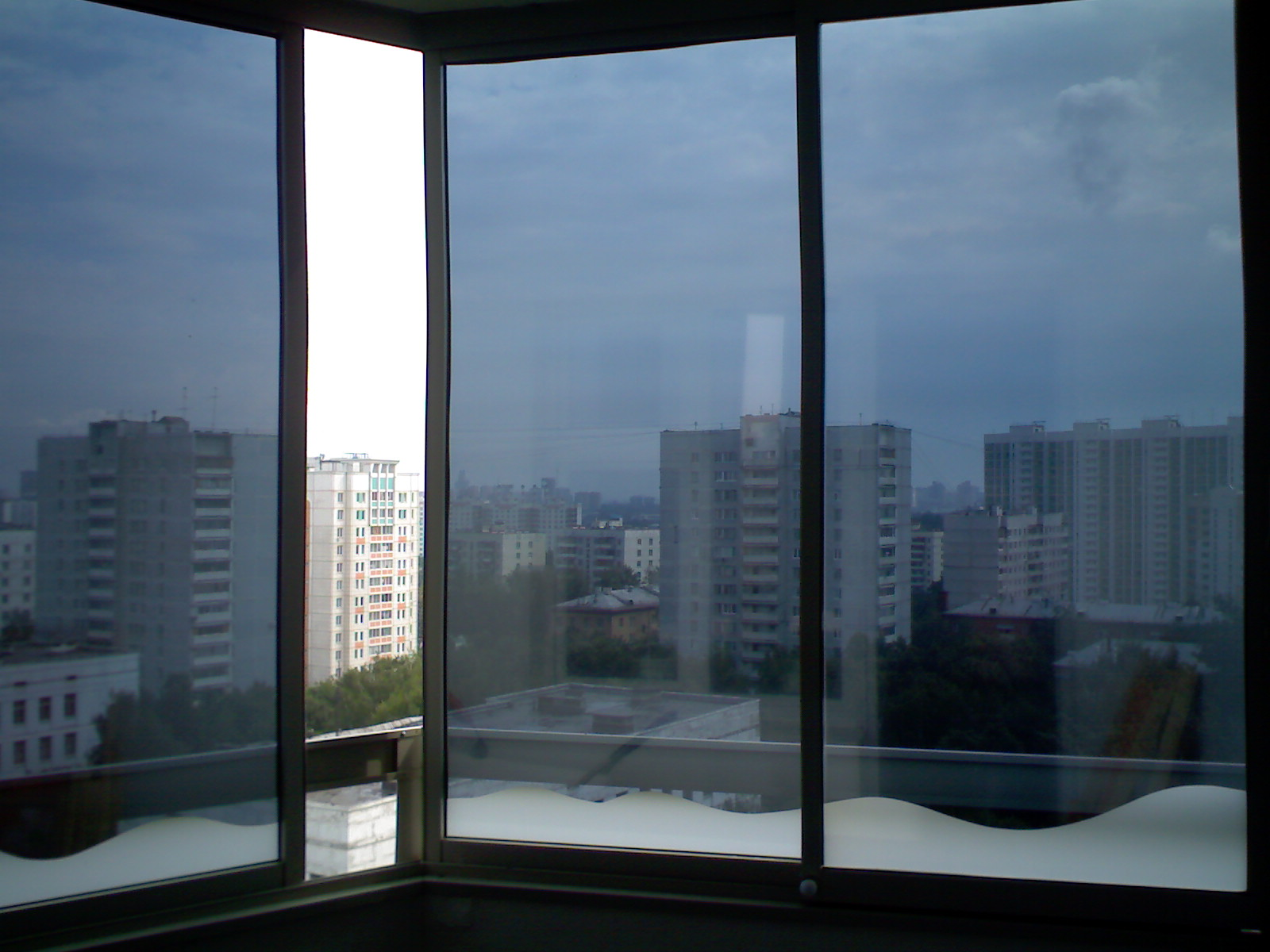 Зеркальная пленка на окнах