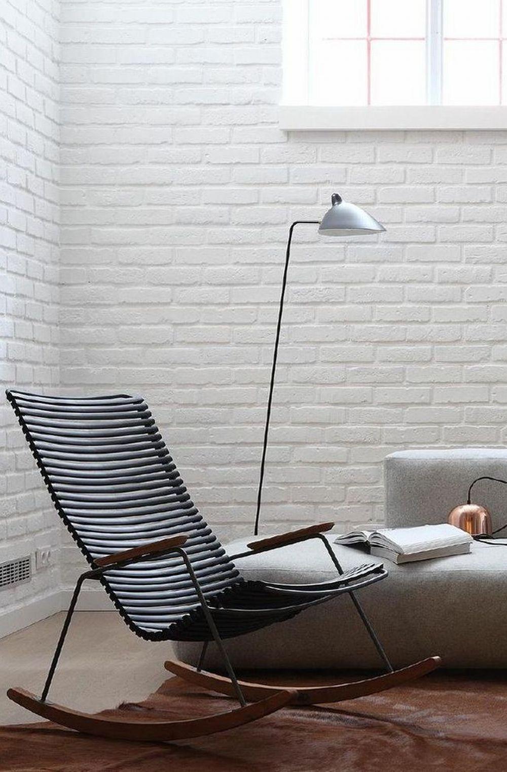 Кресло из платика