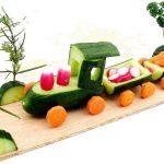 Фото 55: Паровозик из овощей