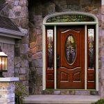 Фото 24: Отделка входной двери витражом