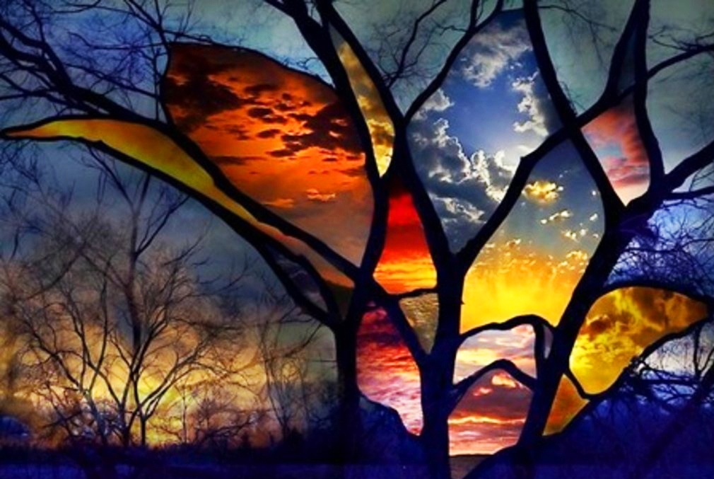 Краски мира через витражное окно