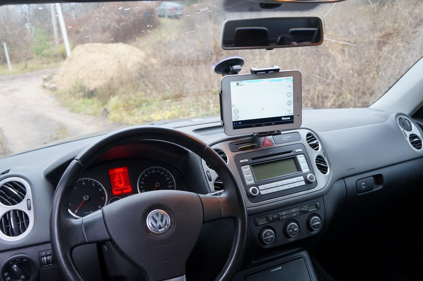 Держатель для планшета в машину айпад 2