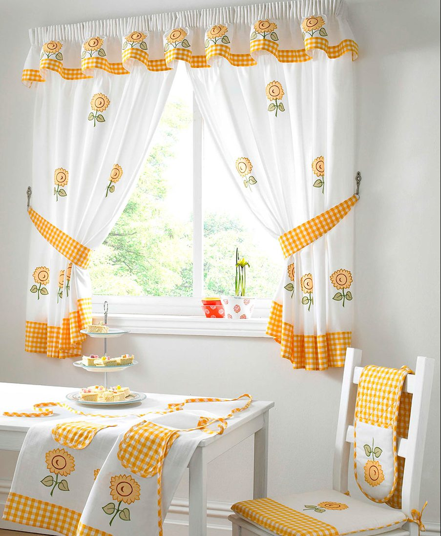 Занавески для кухни на фото