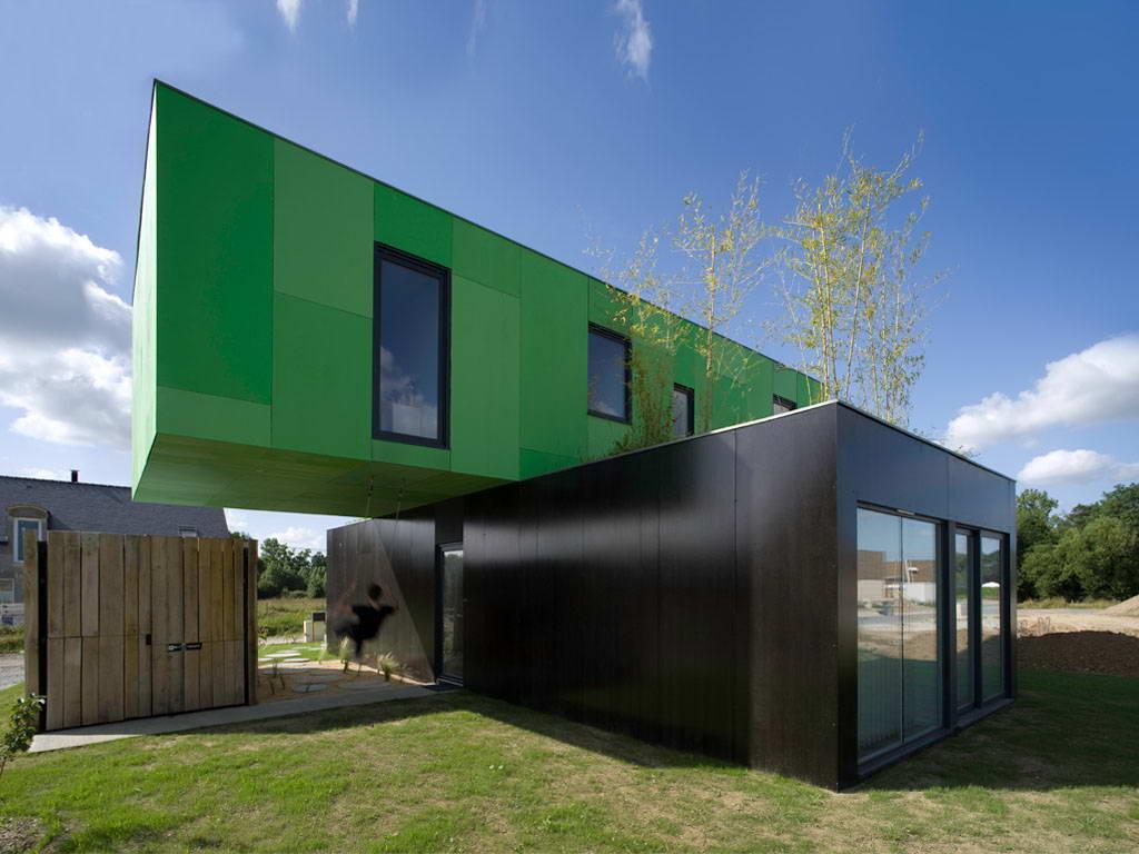 Двухэтажный дом из контейров