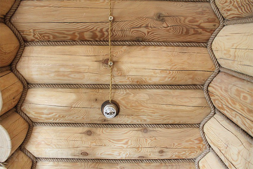 Фото розетки в деревянном доме