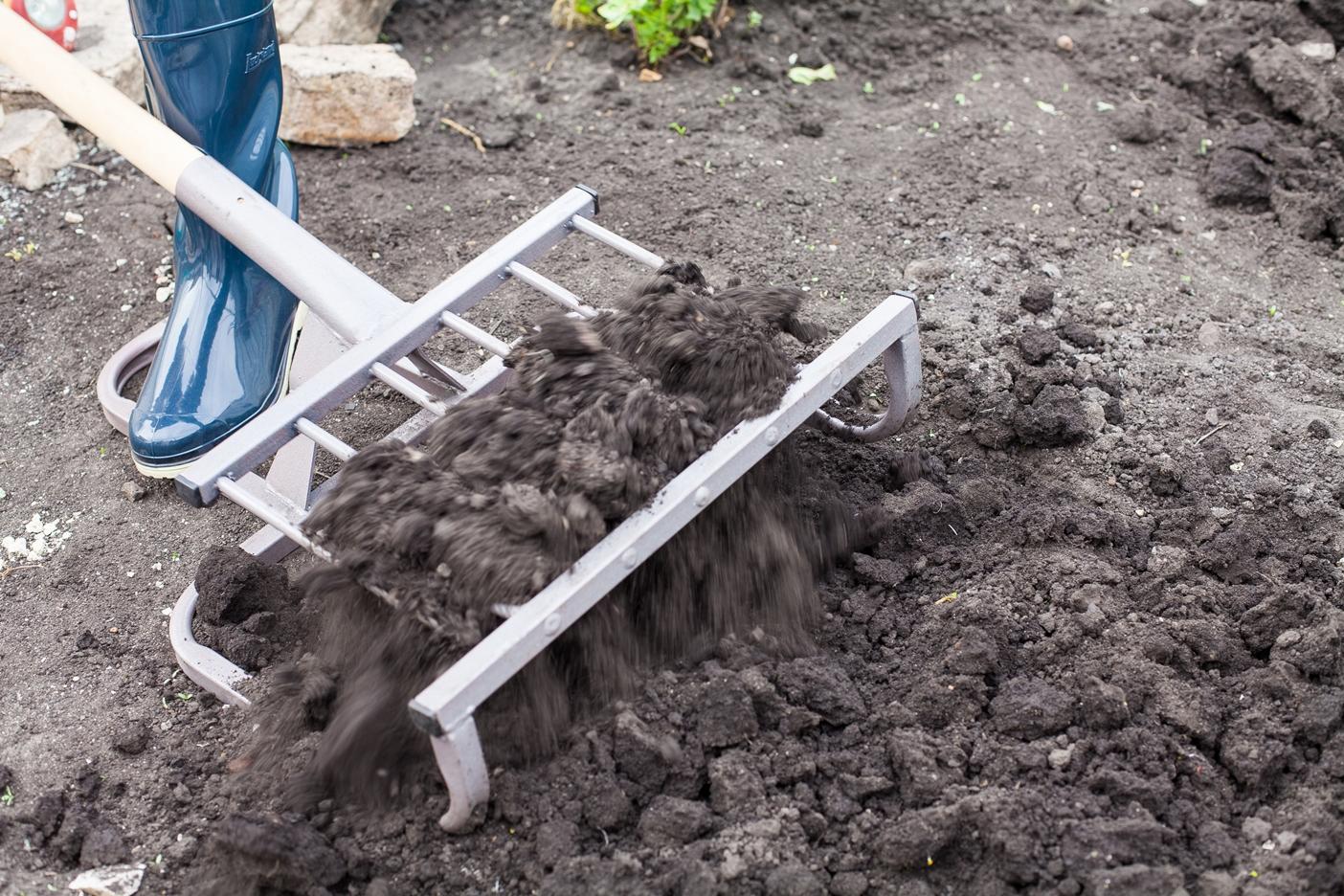 Чудо-лопата для копки земли в работе