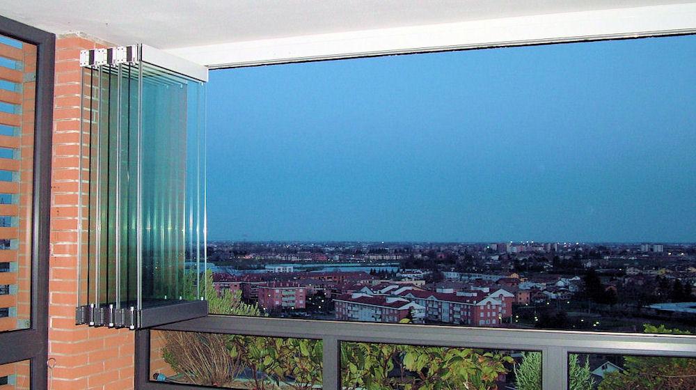 Безрамное остекление веранды, балкона и террасы фото