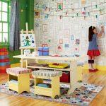 Фото 27: Фотообои с рамочками для детских рисунков