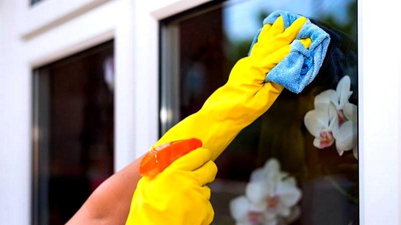 Чем-отмыть-пластиковое-окно-от-грязи