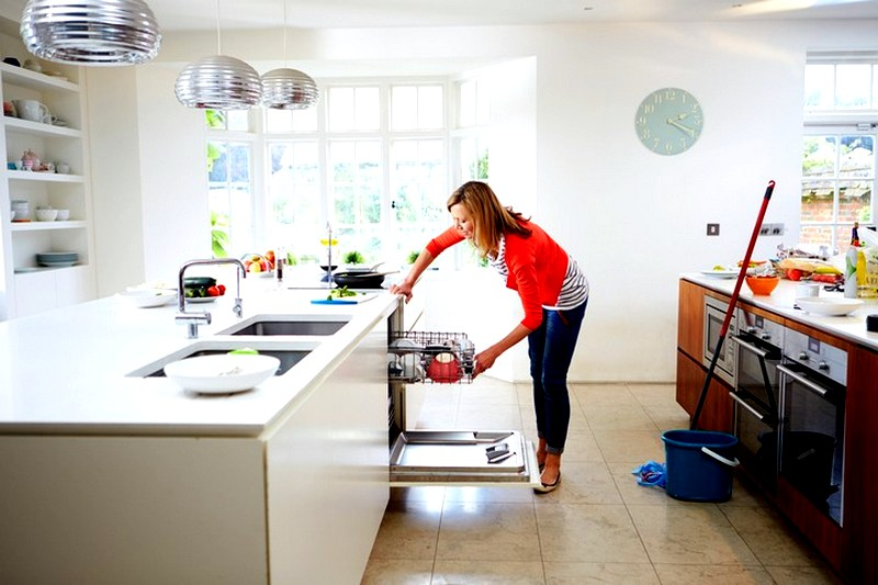 уборка-шкафов-на-кухне