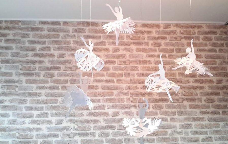 Снежинки-балерины из бумаги