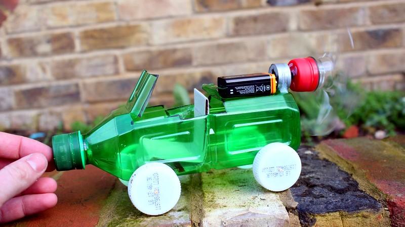 игрушка из пластиковой бутылки