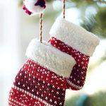 Фото 54: Новогодняя игрушка в виде варежек своими руками