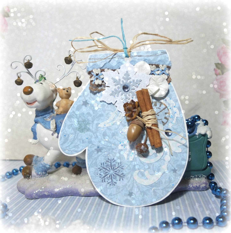 Новогодняя открытка в форме варежки
