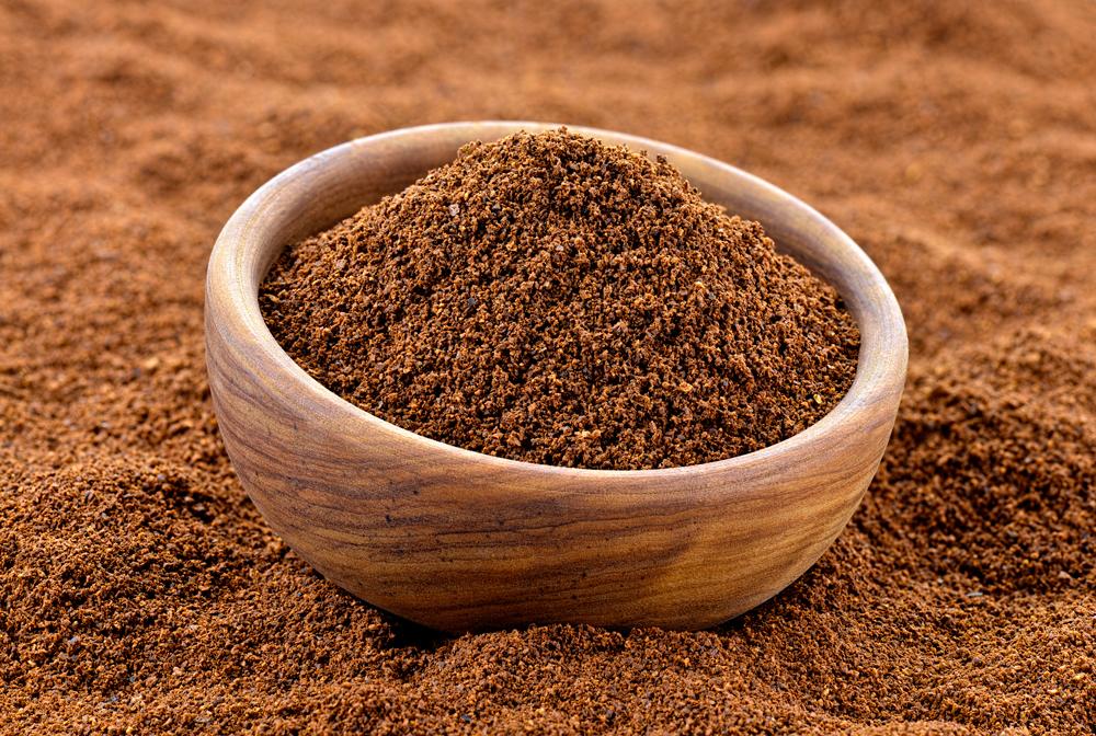 Мелко помолотый кофе дает стойкий и приятный аромат