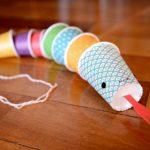 Фото 13: поделка змейка из стаканчиков