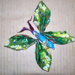 Фото 10: Бабочка из фантиков с туловищем