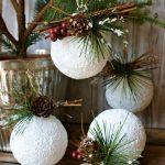 Фото 22: Украшение белых новогодних шаров