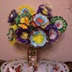 Фото 59: Цветы из фантиков