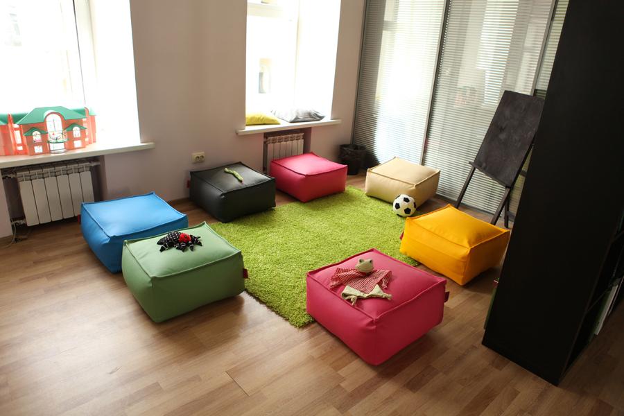 Пуфик будет прекрасно смотреться в интерьере квартиры
