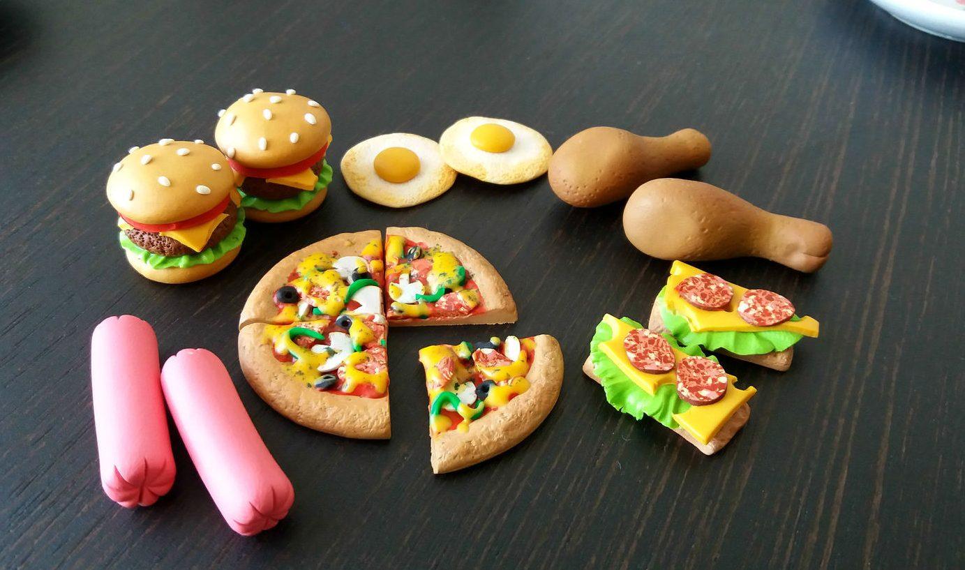 Еда из полимерной глины