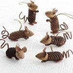 Фото 65: Мышки из шишек