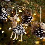 Фото 32: новогодние игрушки на елку из шишек