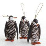 Фото 64: пингвины из шишек