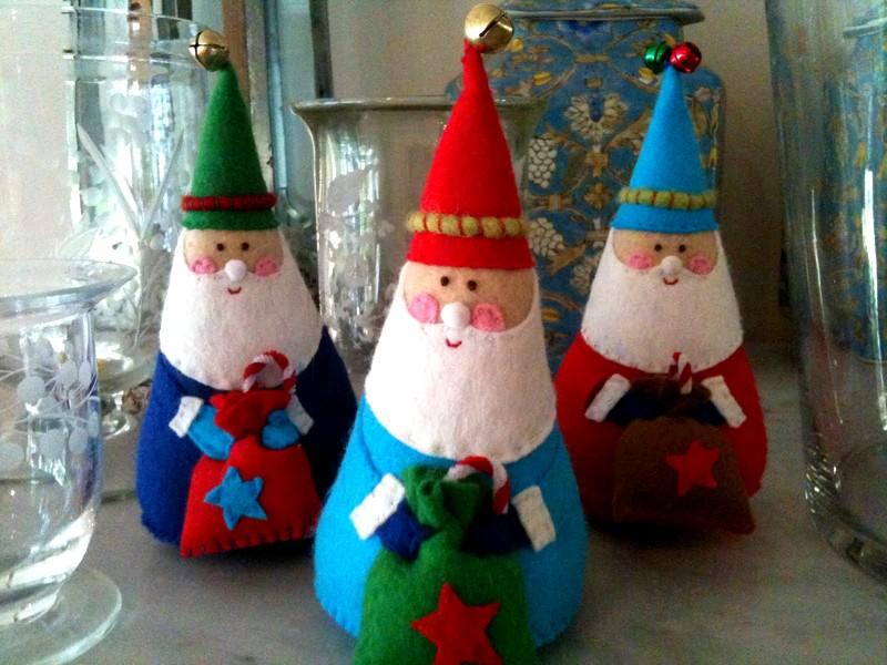 Фигурки Деда Мороза из фетра