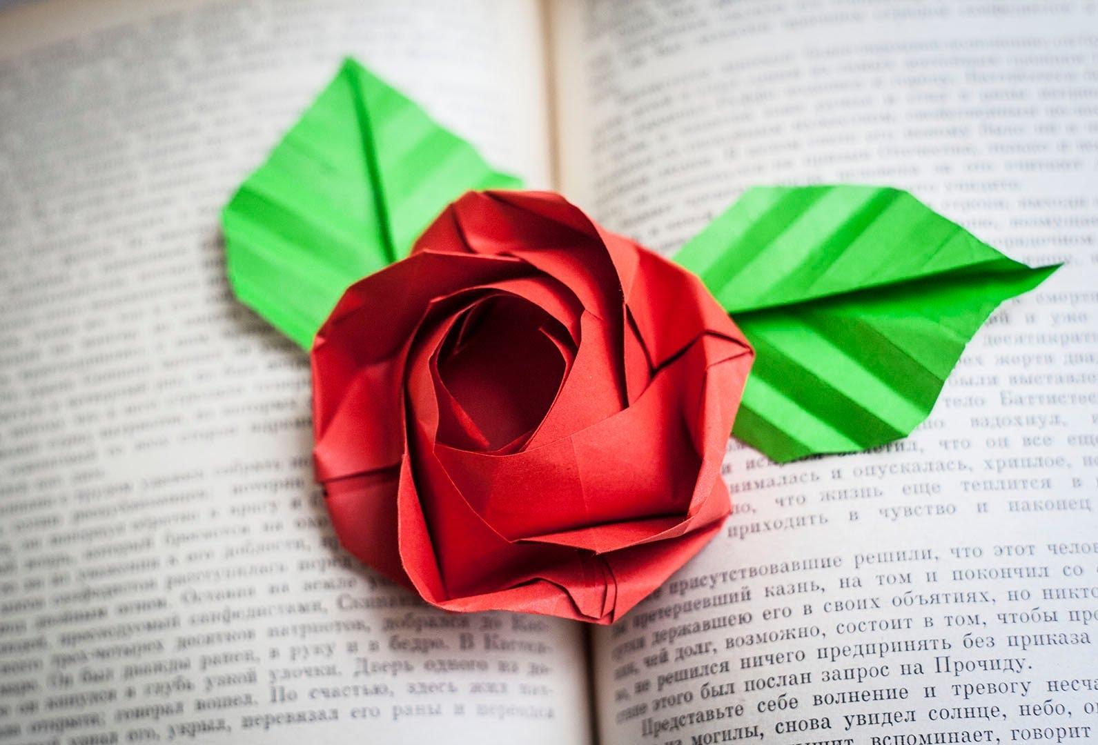 Розы в технике оригами