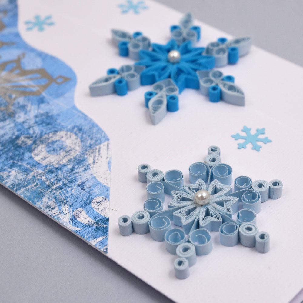 Открытка со снежинками квиллинг