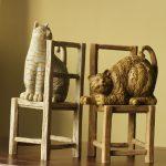 Фото 114: Книгодержатели кошки на стульях