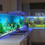 Фото 72: Сетновая панель для кухни под аквариум