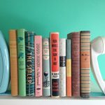 Фото 57: Держатели для книг из старых телефонных трубок
