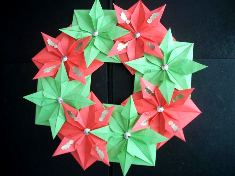 novogodniy_venok_v_stile_origami