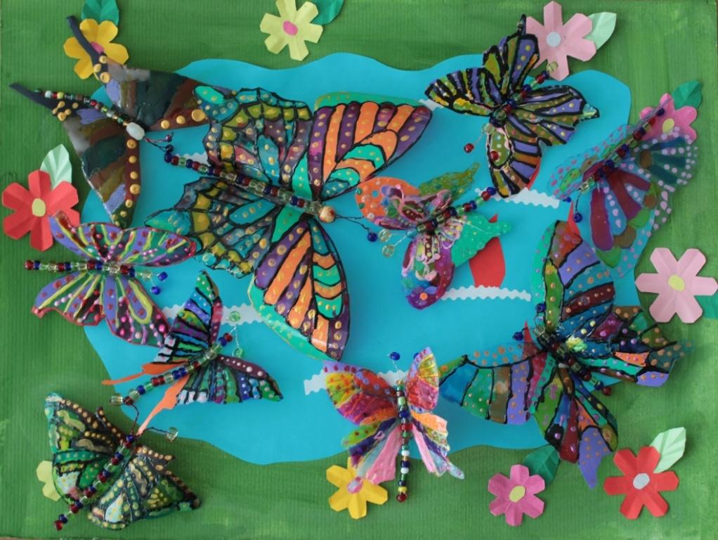 Бисером можно дополнительно украсить бабочку