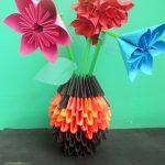 Фото 13: Ваза в технике модульного оригами с цветами