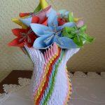 Фото 16: Ваза в технике оригами с цветами из модулей