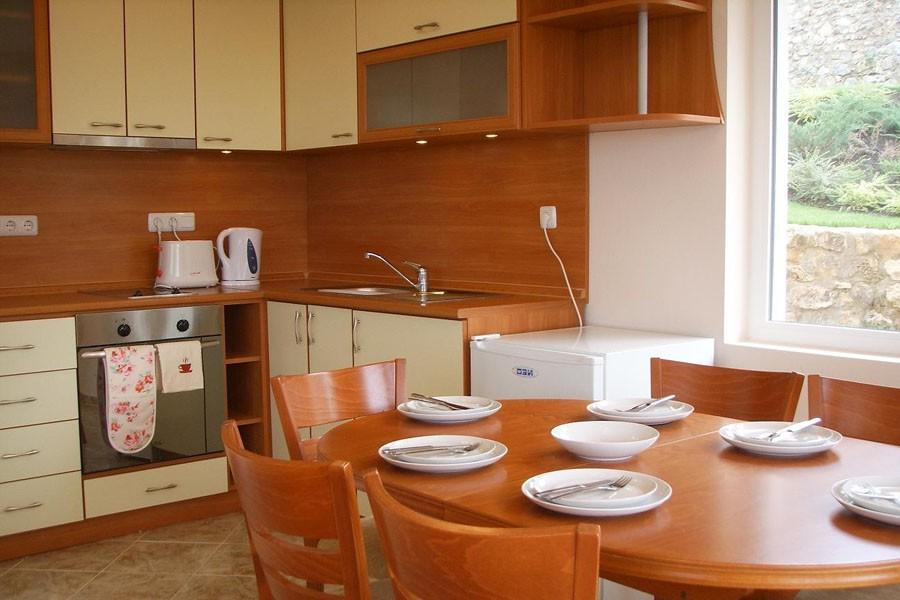 Кухонный гарнитур для дачного дома