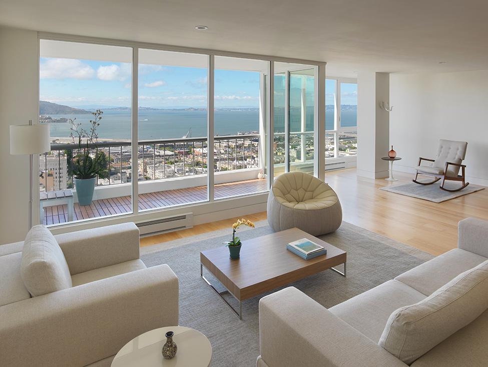 Квартира-студия с панорамными окнами