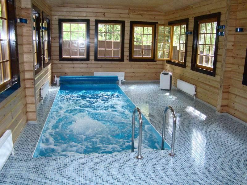 Небольшой бассейн