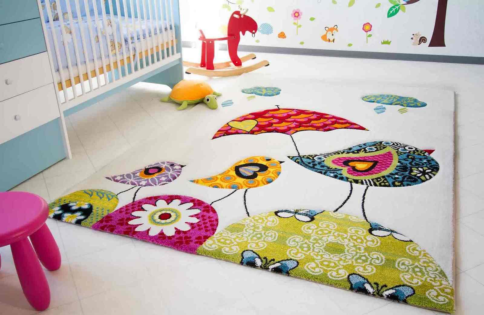 Симпатичный коврик в детскую
