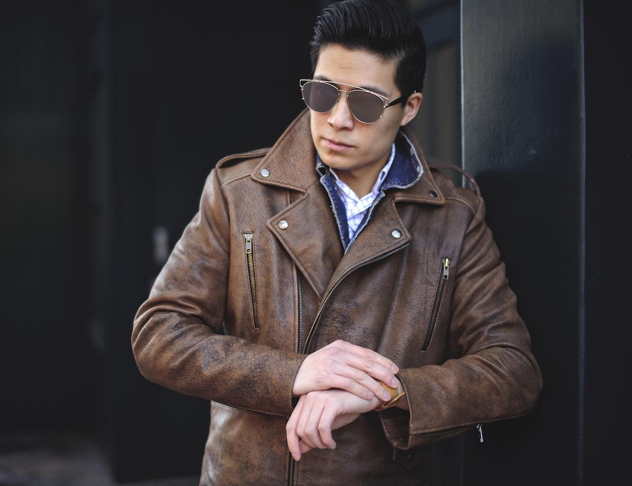 Любители красивых кожаных курток должны быть готовы к тому, что такая вещь в гардеробе потребует много внимания и забот