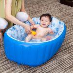 Фото 16: Надувная ванночка для самых маленьких