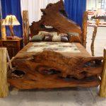 Фото 22: Фигурная кровать под старину из массива дерева