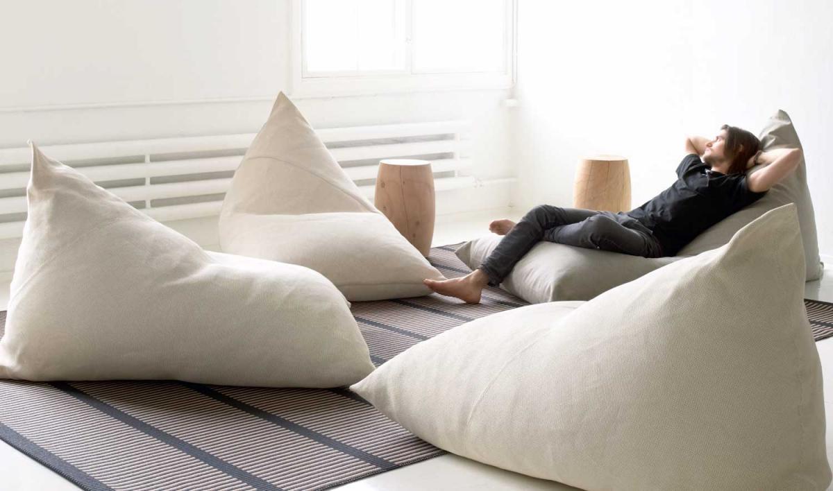 Бескаркасная мебель с чехлами из ткани