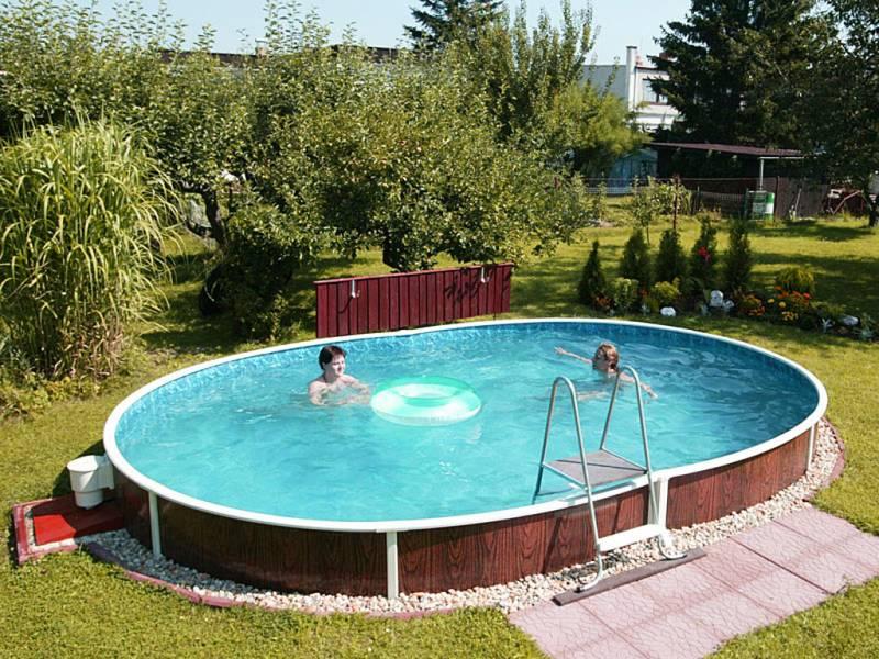 Каркасный бассейн можно легко установить на новом месте или передвинуть