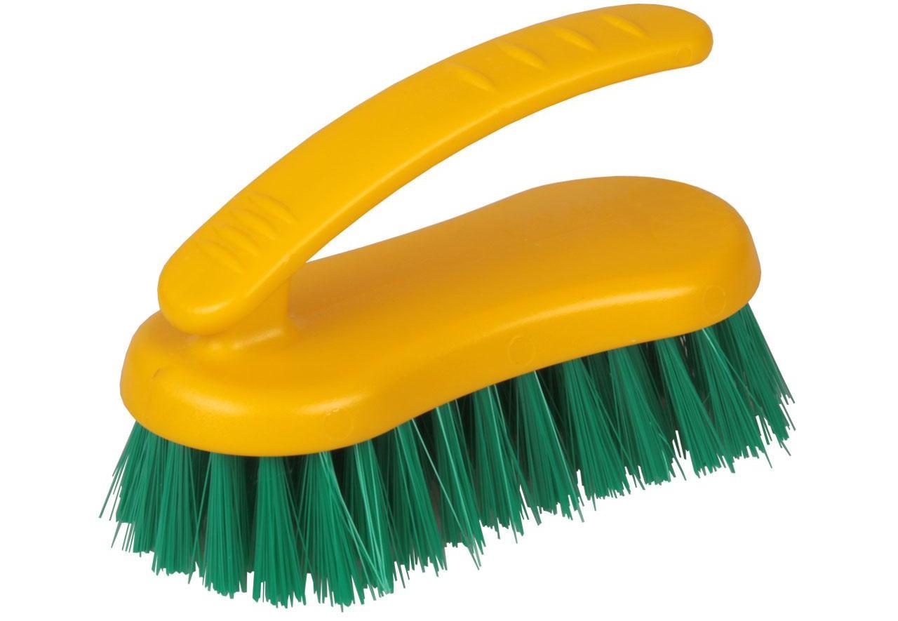 Для очистки мебели от пятен понадобится мягкая щетка
