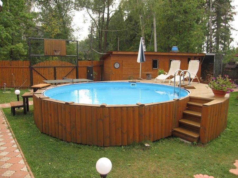 Установка бассейна на дачном участке